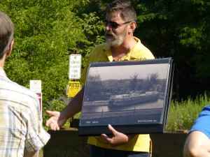 August Canal Splash 2014 -- Mike Riley, tour guide uses the new photo portfolio to help describe historic sites in the park